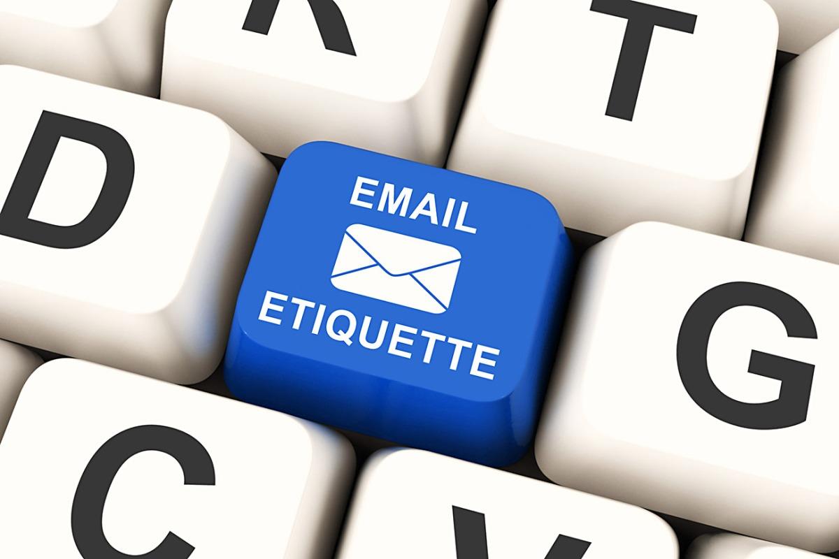 English Corner – Proper EmailEtiquette